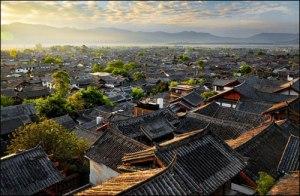 Lijiang (丽江), littéralement « beau –fleuve » est un charmant village du Guangxi datant de la dynastie Ming